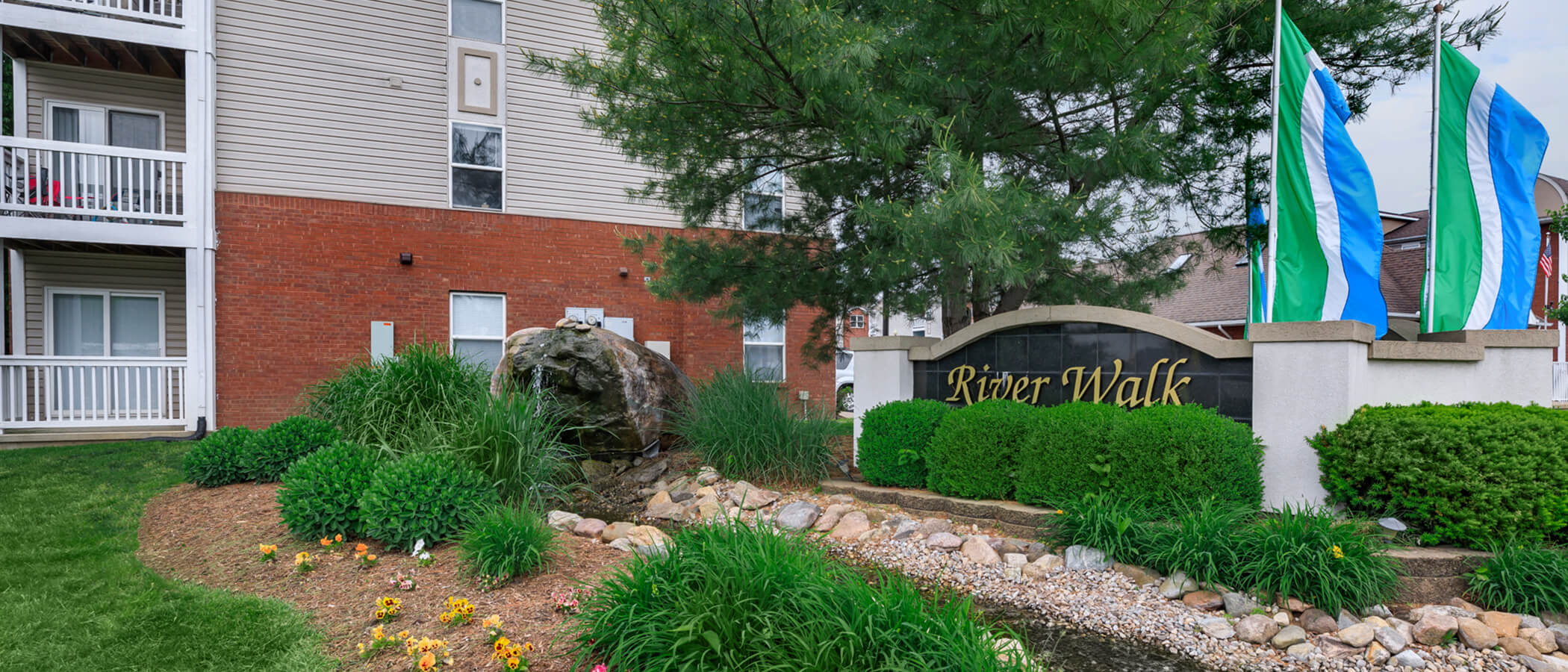 River Walk Apartments slideshow image 1